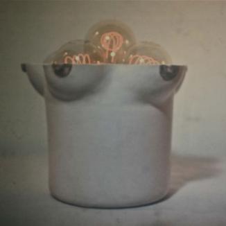 1975 'borstlamp' h 23cm