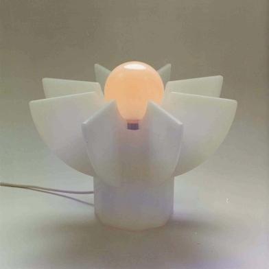 1976 tafellamp plexiglas h.25cm.