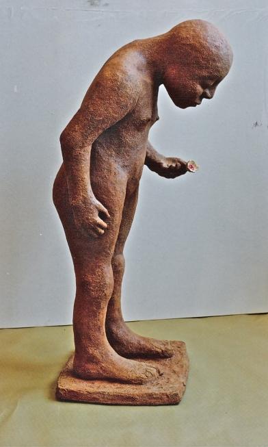 1998 'looking child' keramiek 35/45/85cm