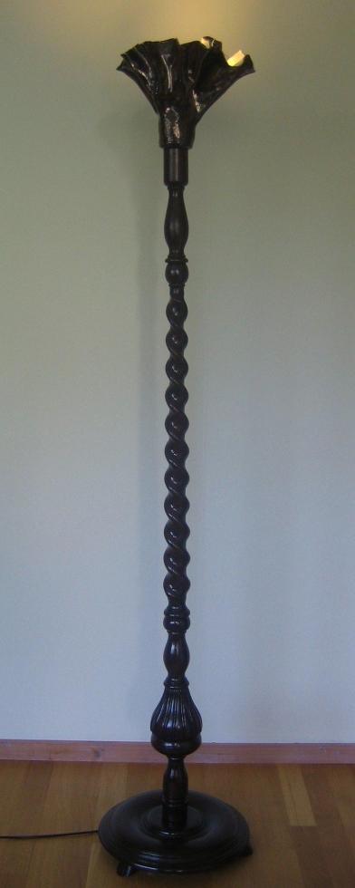 2010staande lamp hout/keramiek h 168cm